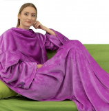 SOFT WEARABLE BLANKET WITH SLEEVES